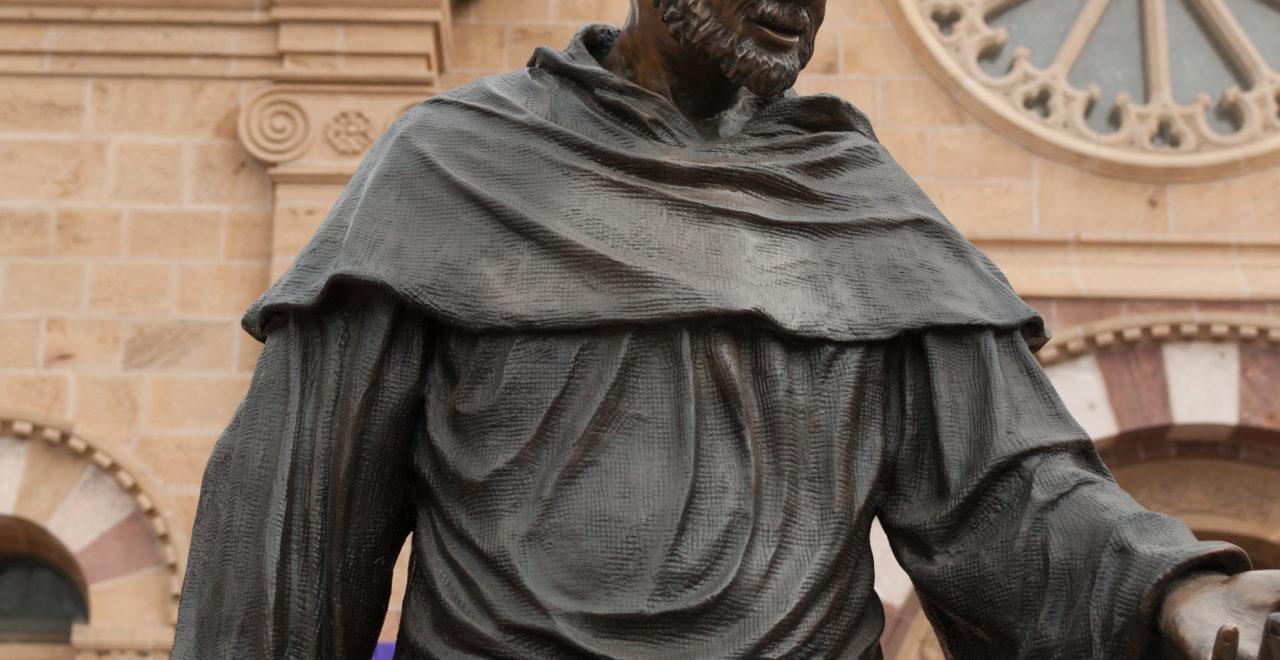 Saint Francis Assisi statue Italia Umbria