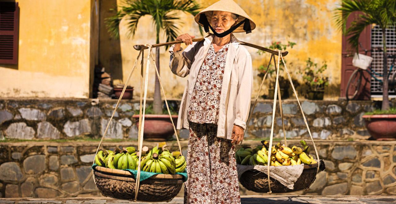 Vietnam kvinne frukt mat Hoi An