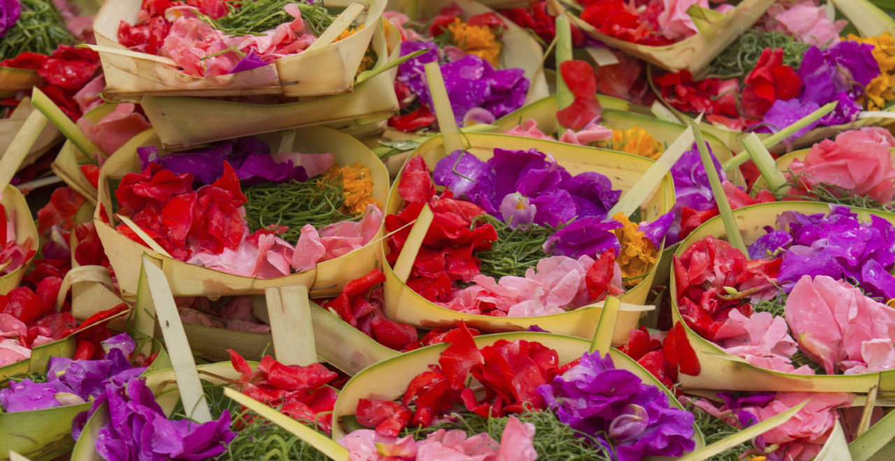 Indonesia Bali blomster offergaver