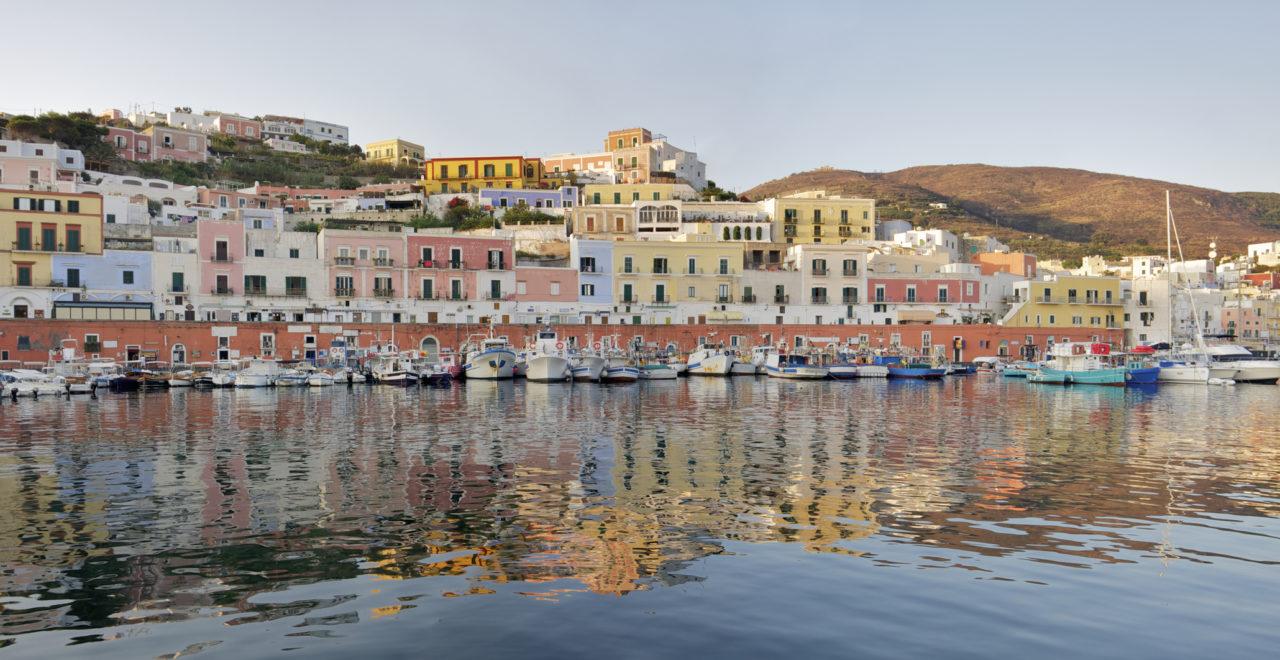 Italia, Lazio, Ponza, Ponza harbour