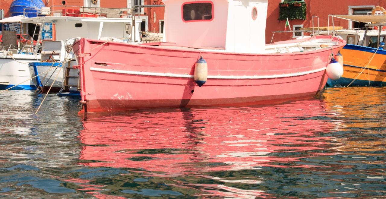 Ponza harbor, Italia, Lazio, Ponza, båt