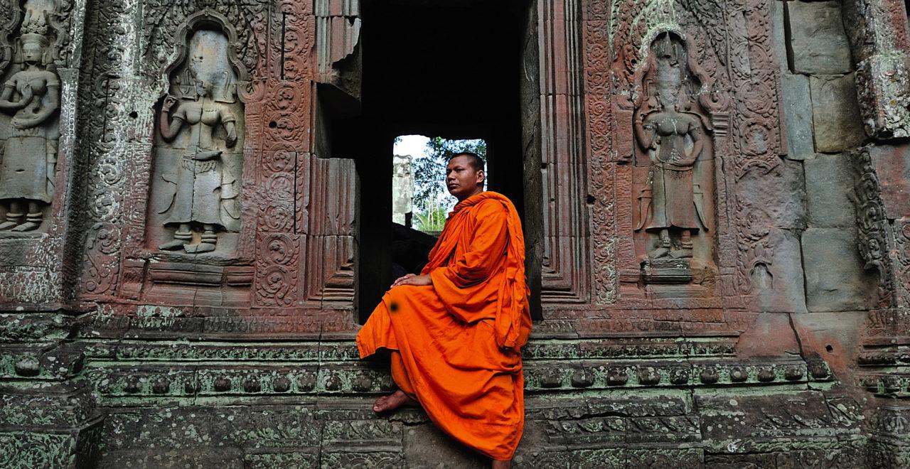 Kambodsja, Angkor Wat, Ta Prohm temple, tempel, munk