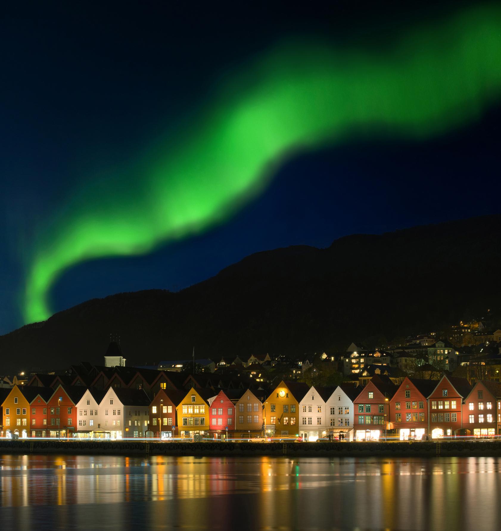iStock-625914702_Norge_Bergen_Nordlys_au