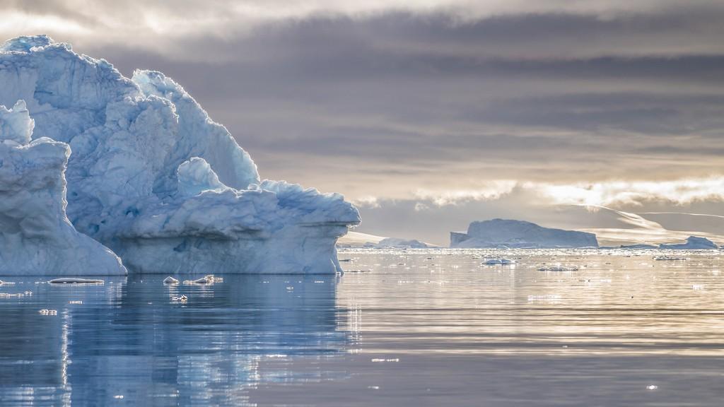 Isfjell-Neko-Harbour-Antarktis-HGR-115744_1024_foto_Karsen_Bidstrup_Hurtigruten