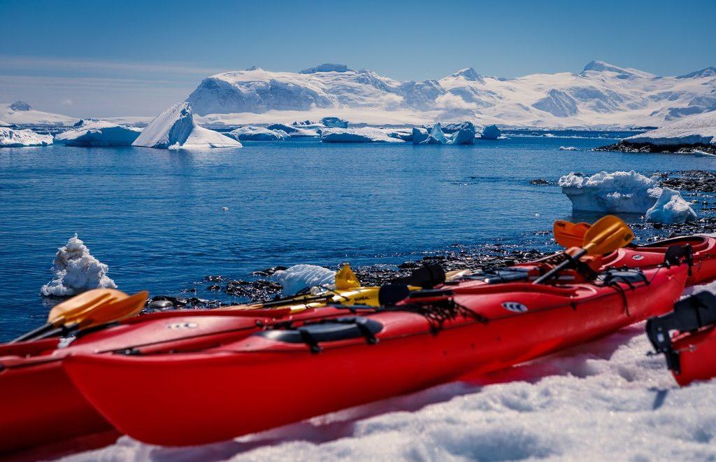 Kajakkpadling-Antarktis-HGR-114047_1024_foto_Maximilian_Schwarz_ Hurtigruten