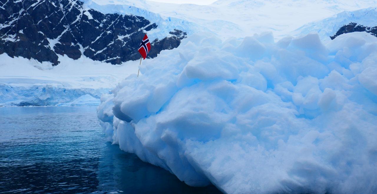 Antarktis, Astrids bilder, Hurtigruten, Midnatsol, Carpe Diem, flagg
