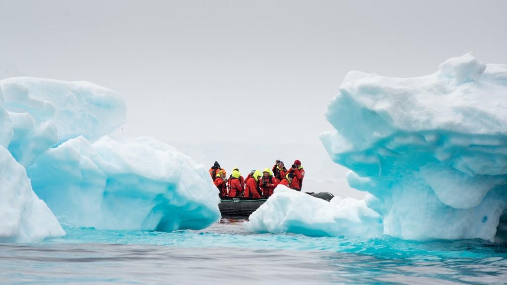 Wilhelmina-Bay-Antarktis-HGR-117530_1024_foto_Andreas_Kalvig_Anderson