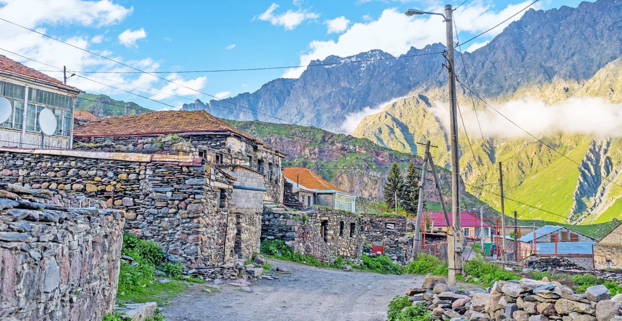 Georgia_Stepantsminda_Kazbegi_Kaukasus