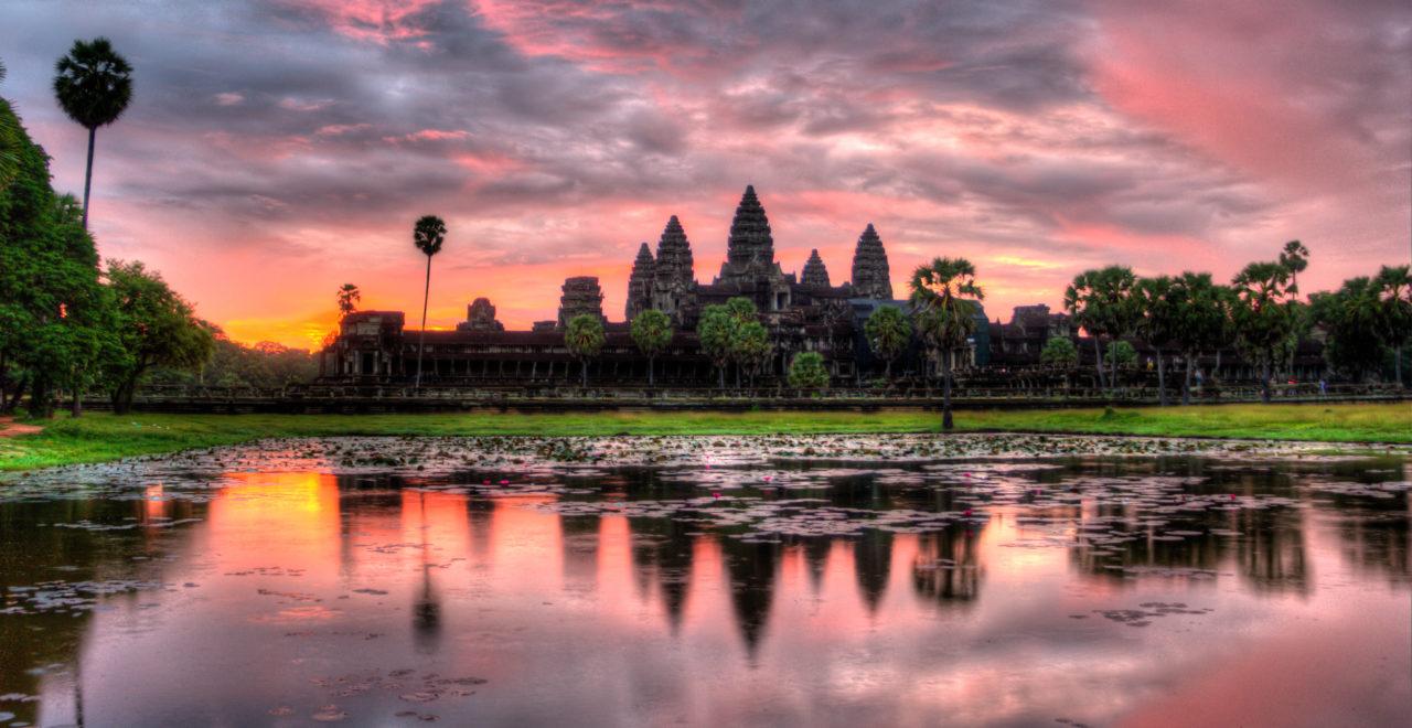 Soloppgang over Angkor Wat